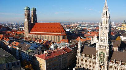 Münchner Rathaus und Frauenkirche